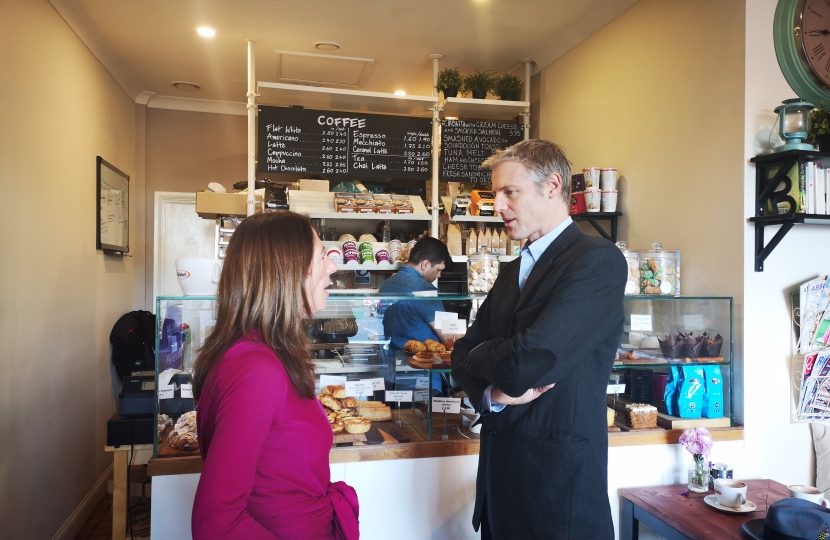 Zac Goldsmith MP at Coffee and Cakes Cafe in East Sheen to discuss plastics