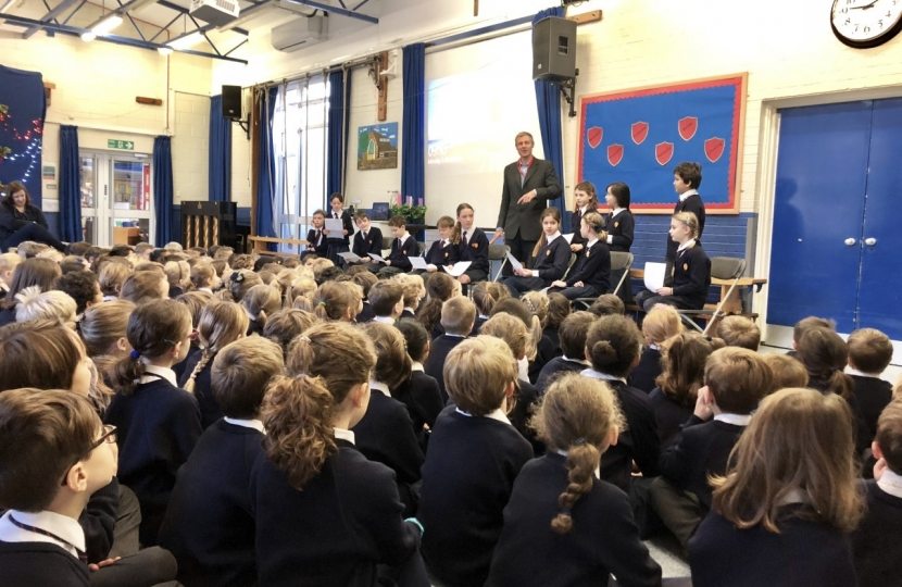Zac Goldsmith MP visits St Osmunds School in Barnes to visit news nuggets